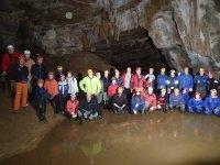 Gran grupo en la cueva