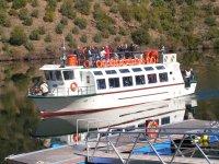 Cruise down the Tagus River