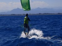 风筝冲浪海湾的圣佩雷佩斯卡多尔珍贵的水域