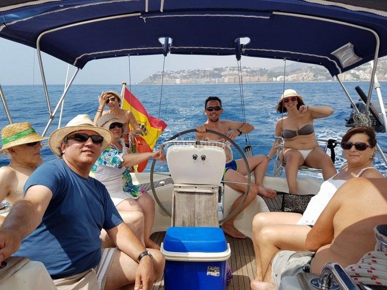 Sentados en el barco