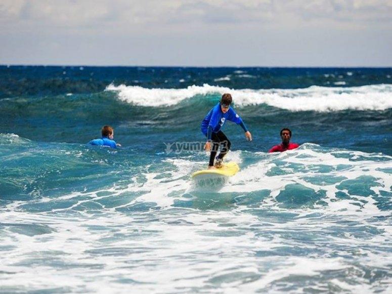 Cogiendo olas