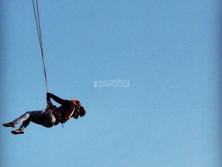 Saltar de puenting en Gador