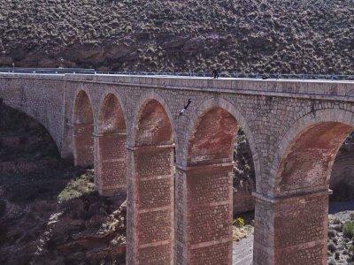 Salto de puenting en Gador, 20 metros