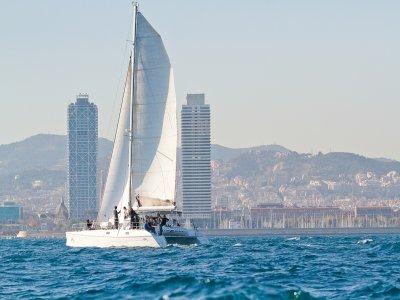 Paseo en barco en Barcelona compartido 2 horas