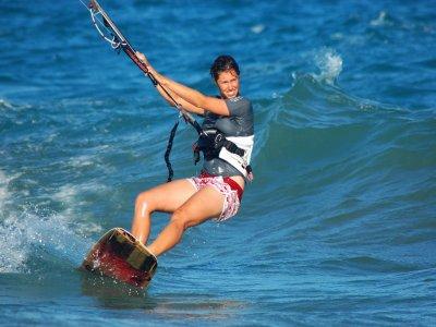 伊比沙岛的风筝冲浪课程10个小时