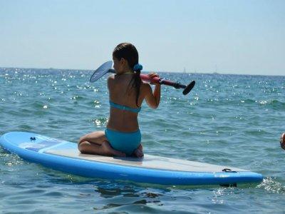 在Ibiza 4h出租桨式冲浪设备