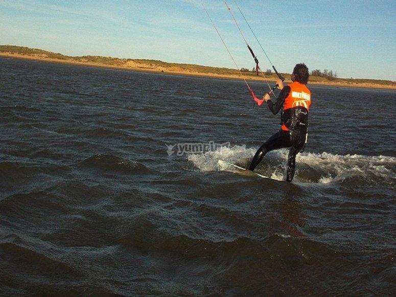 kitesurf cantabria iniciacion pantano del ebro