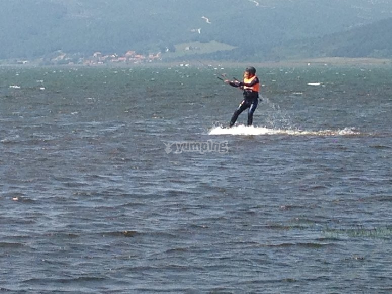 kitesurf pantano del ebro