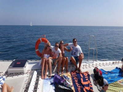 Catamaran trip in Valencia for kids 1 hour