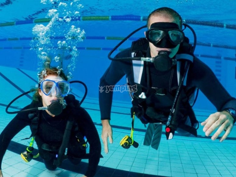Bautismo de buceo en aguas confinadas