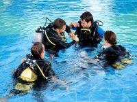Scuba diving baptism in swimming-pool Madrid