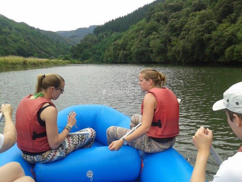 Al frente del raft