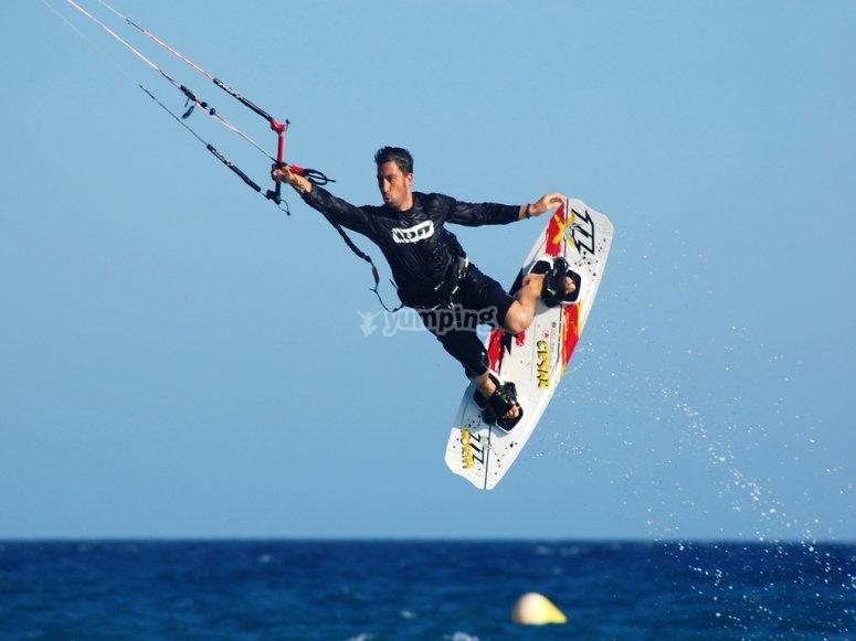 Salto en kitesurf