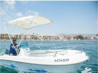 Boat rental without license