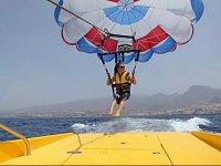 Comenzando el vuelo con el parasailing