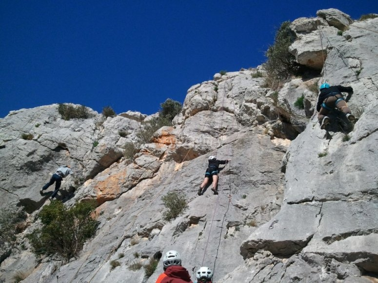 Escalando en Banyoles