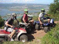Haciendo juntos la ruta en quads en Girona