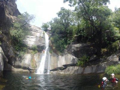 溪降+攀岩+住宿阿维拉2天