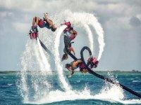 Piruetas a tres flyboard en L'Ametlla de Mar