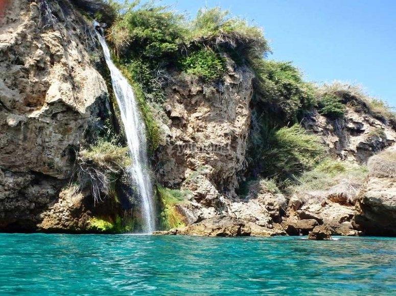 在悬崖上航行来自Maro Cerro Gordo