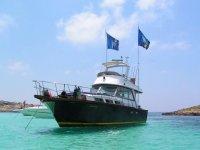 una delle grandi barche