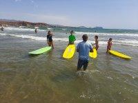 冲浪课程Águilas的2或3天海滩