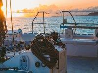 沿着莫特里尔海岸乘坐帆船 4 小时