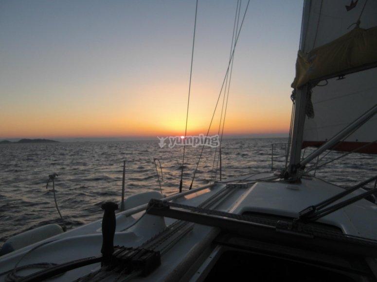 Atardecer en catamaran
