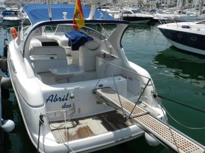船出租在PuertoBanús,Marbella 8小时