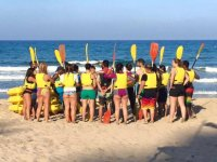 Preparing with the oars
