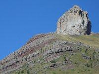 Roca en lo alto de la colina