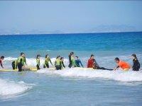 Aprendiendo deportes nauticos en el campamento