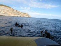 Comenzando la inmersión junto a la lancha