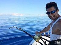 Practicando pesca deportiva desde el charter