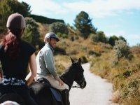 Godendo il percorso equestre