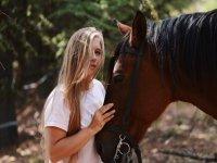 Accanto al cavallo a una fermata