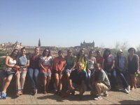 Foto de grupo en la visita por Alcalá