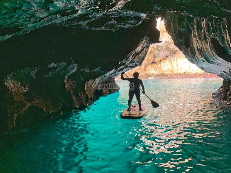 探索兰斯洞穴SUP
