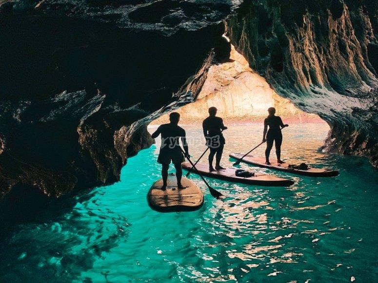 穿越兰斯的皮划艇冲浪之旅