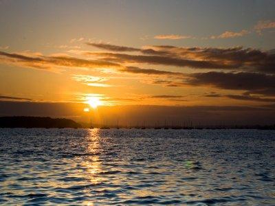 乘船游览Vilanova在日落2小时