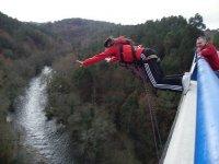 Bungee jumping without vertigo