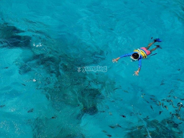 snorkel en aguas cristalinas en javea