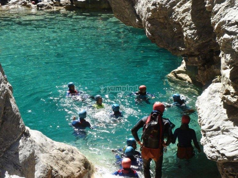 练习峡谷漂流,在Lleida