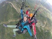 在Sierra de Algodonales进行滑翔伞洗礼