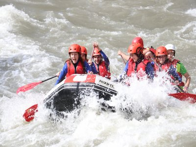 Rafting in Noguera River Team Building Special