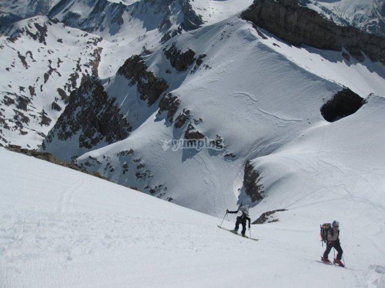 salendo sulla montagna