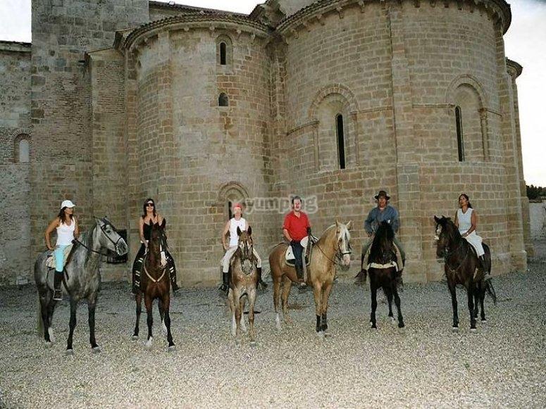 Nuestro grupo a caballo, en la ruta del vino