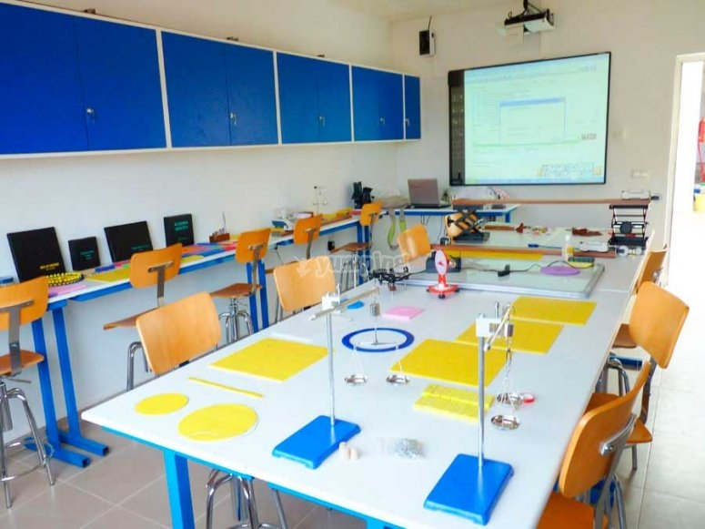 comedor del campus en ingles de requena