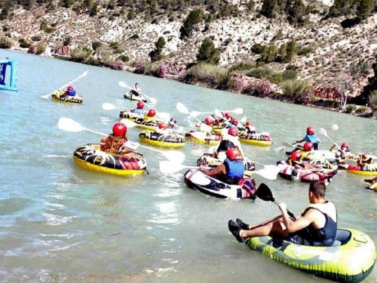 在河流上使用充气设备