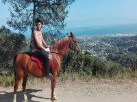 2h horse ride tour in Serralada Litoral